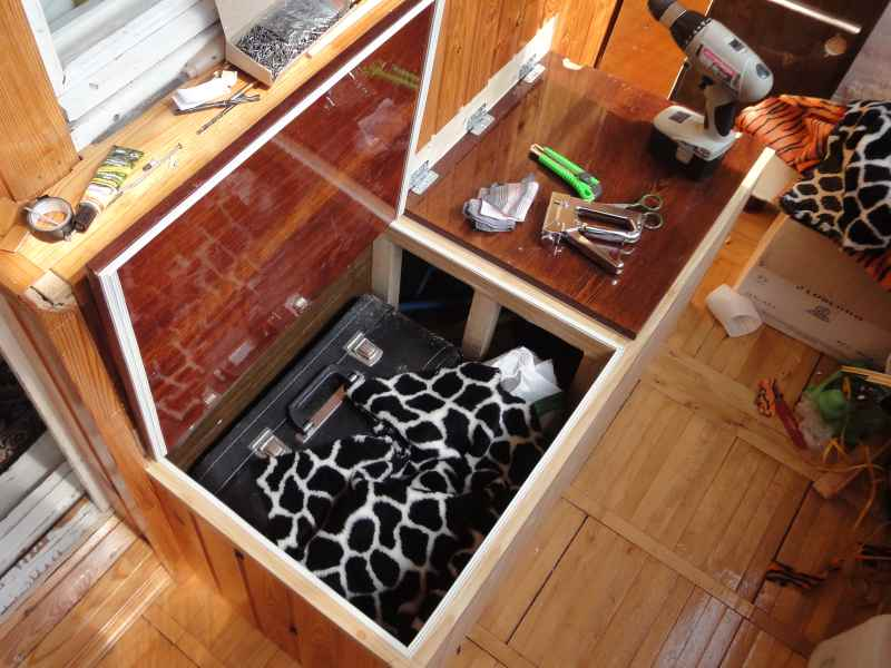 Сделать ящики для хранения на балкон